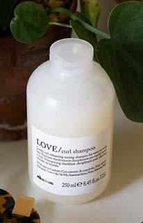 Davines Essential Love shampoo ricci